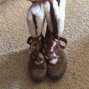 Shoes - Fur lined zip up heel boots